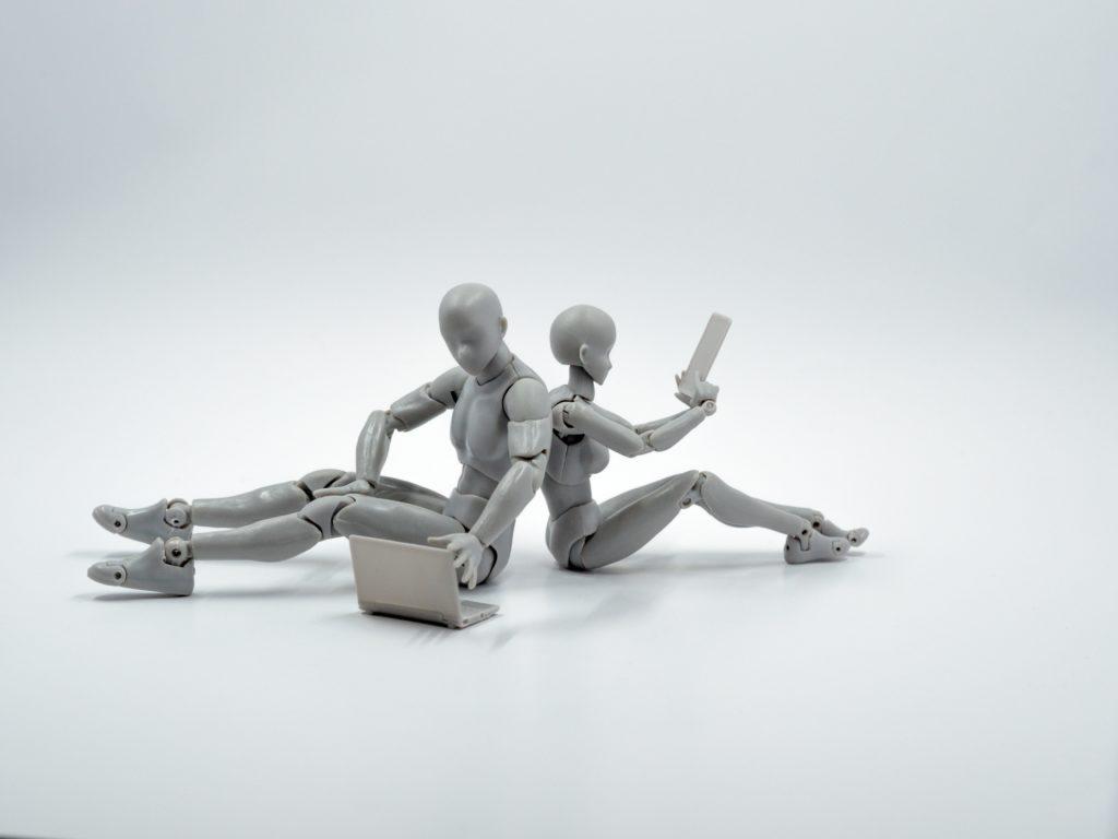 conscience artificielle deux robots